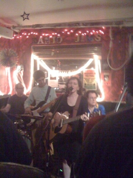 Rebecca Turner and her band (Steve Goulding, Rob Jost, Skip Krevens) at Banjo Jim's